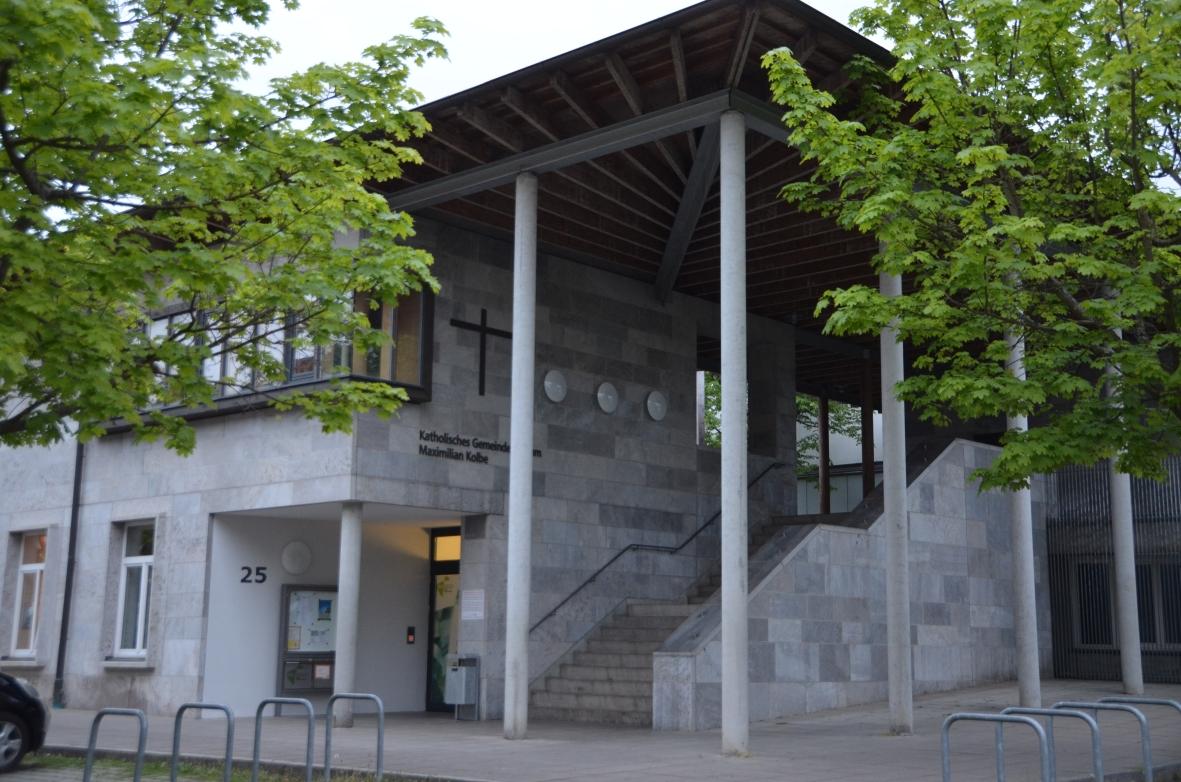 Kirche und Gemeindezentrum Maximilian Kolbe
