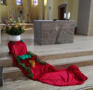 Osterweg in der St.-Martinus-Kirche